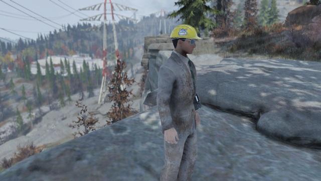 MR.ファジーの黄色い安全帽を被ってみた